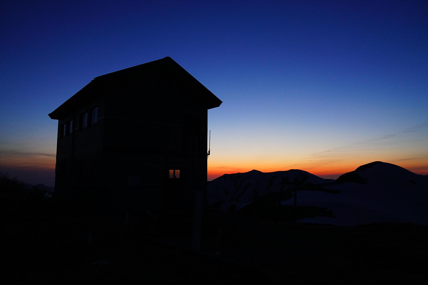 大朝日岳 避難小屋泊 残雪登山