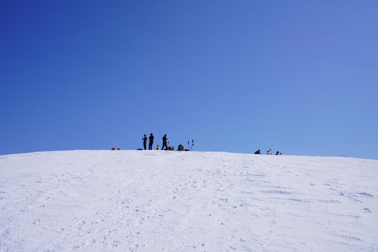 守門岳 雪庇登山